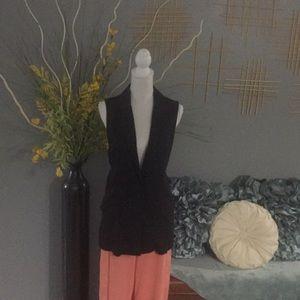 Tops - Black vest- slit back
